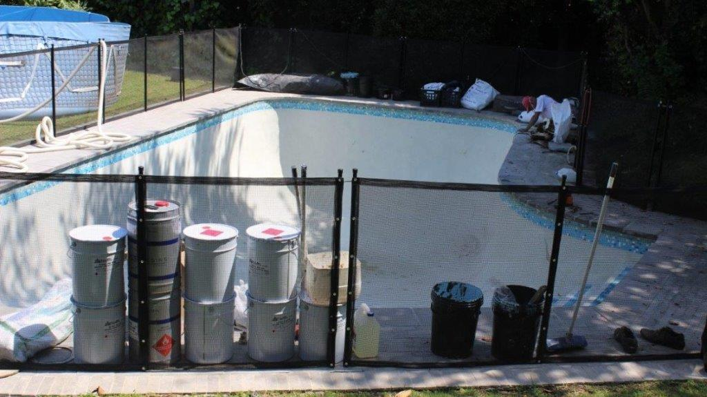 Constantia Pool Mosaic-ceramic-tiles-installed-on-the-rim-of-a-swimming-pool
