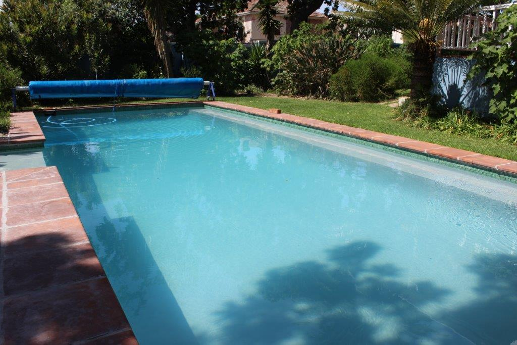 A new fibreglass lining in Cape Grey was applied to this established Gunite pool.