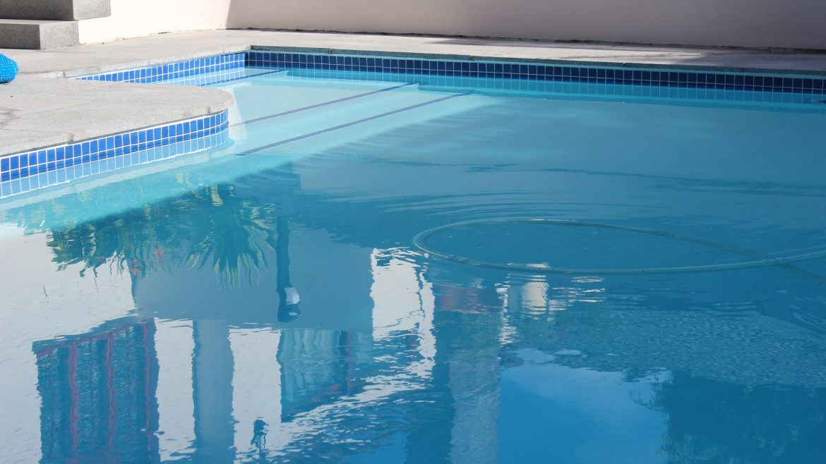 Barbarossa Pool-servicing-with-automatic-pool-cleaning-equipment