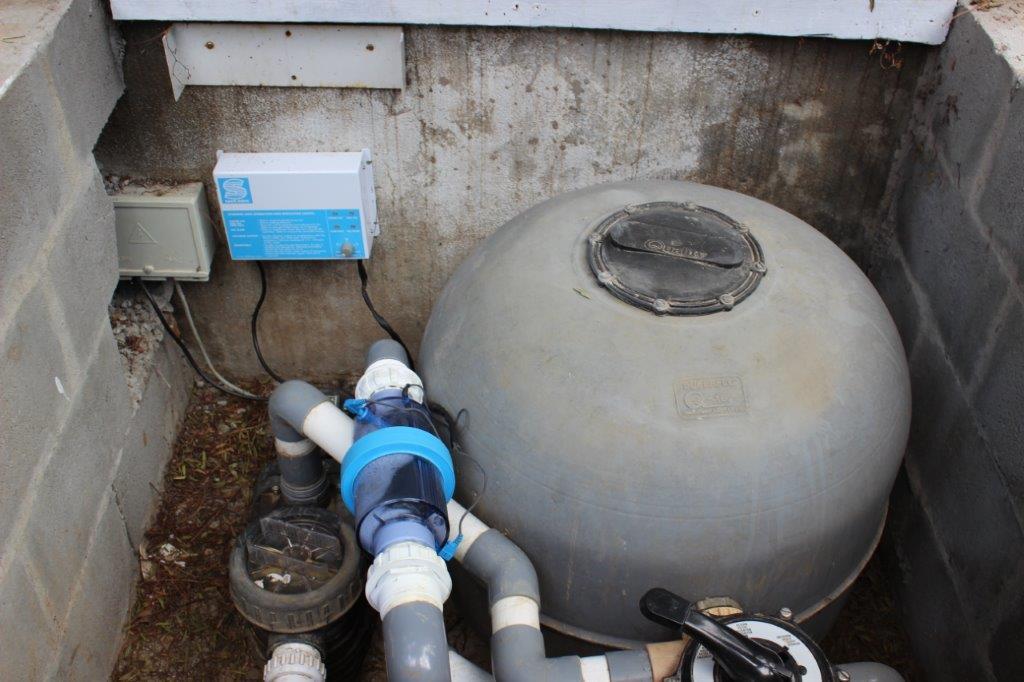 Trovato Estate A new Salt-logic self-cleaning chlorinator installed.