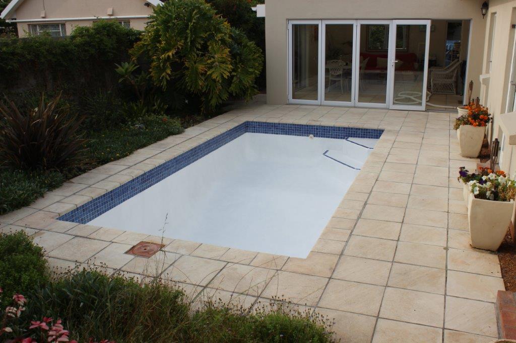 Small Pools, Kirstenhof New Fibreglass Lining